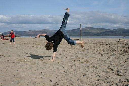 giochi improvvisati in spiaggia